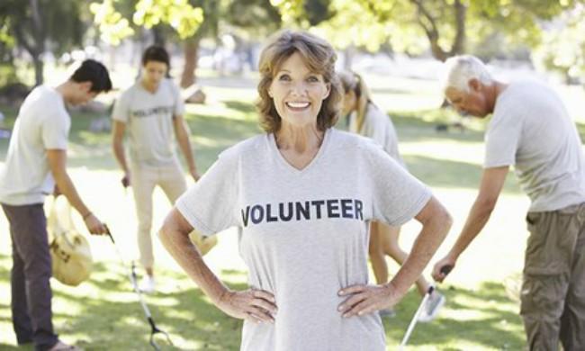 Volunteers-clear-litter-i-009